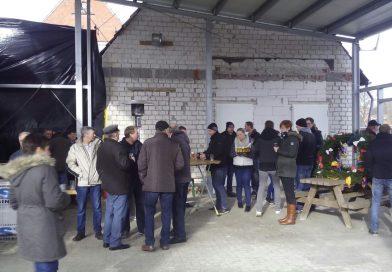 Akelsbarg-Felde-Wrisse: Richtfest zur neuen Fahrzeughalle