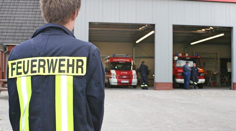 Akelsbarg-Felde-Wrisse: Feuerwehr zieht in neue Fahrzeughalle ein.
