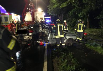 Spetzerfehn: schwerer Verkehrsunfall, Insasse tödlich verletzt