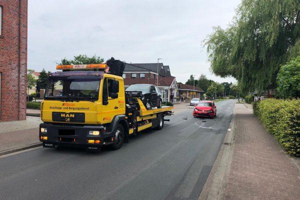 Timmel: Feuerwehr sichert Unfallstelle